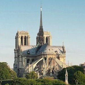 ノートルダム大聖堂,パリ,火災,